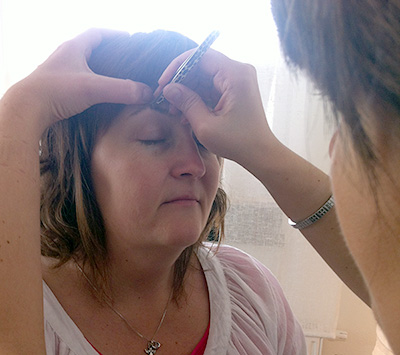 Plockning av ögonbryn
