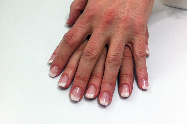 Nagelförlängning med gellack