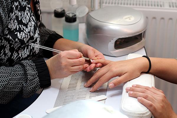 Återbesök för naglelbehandling